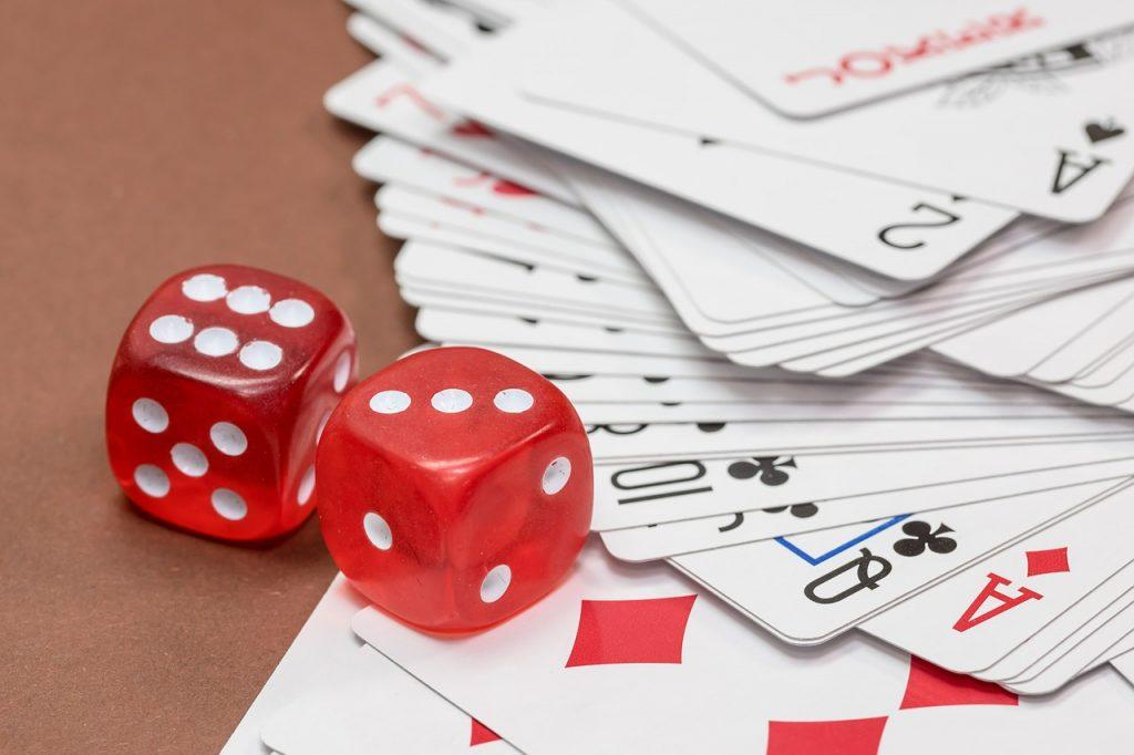 קלפים וקוביות